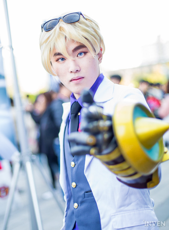 League of Legends: Beyond's Ezreal Cosplay (Heart) Photos ...