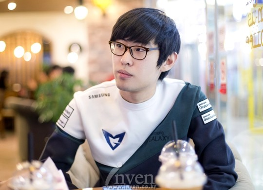 (A picture of Ambition that was taken during an interview when he first  joined SSG.)