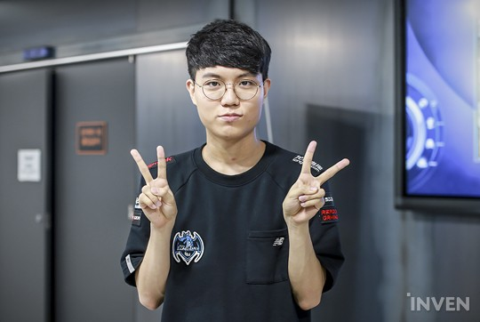 League Of Legends Longzhu Gamings Jungler Cuzz I Want To Play