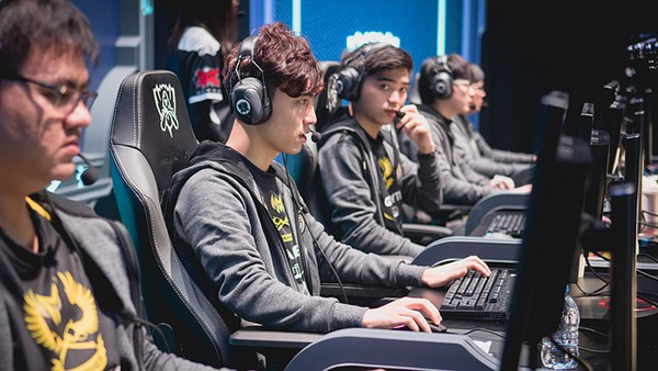 "[KR Reactions] IMT vs GAM: ""There's a reason why League is so popular in Vietnam. GAM makes it fun for them."""