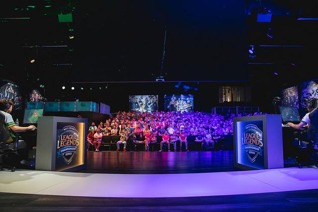 League of Legends: [2018 NA LCS Summer Split Week 7 Day 2
