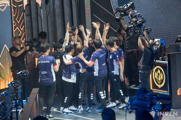 League of Legends: [2019 MSI] Greatest Upset in LoL Esports History