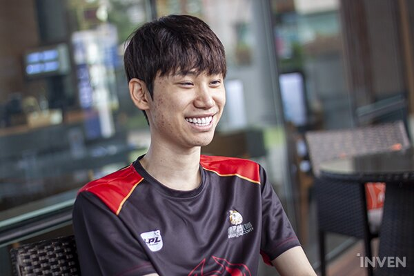"""League of Legends: FPX Doinb: """"Tarzan's really the king of the jungle. Like they say Ji-sung Park has three lungs... it seems Tarzan has two brains."""" - Inven Global"""