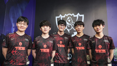 """[Worlds 2020] TES Press Conference: Karsa: """"I used FPX Lee Sin as a way of asking Tian to help me."""""""